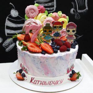 Торт Лол с ягодами