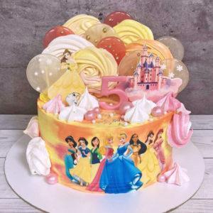 Торт для девочки с принцессами