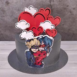 Торт в стиле Леди Баг